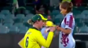 Australian Women's team signing autographs for fans