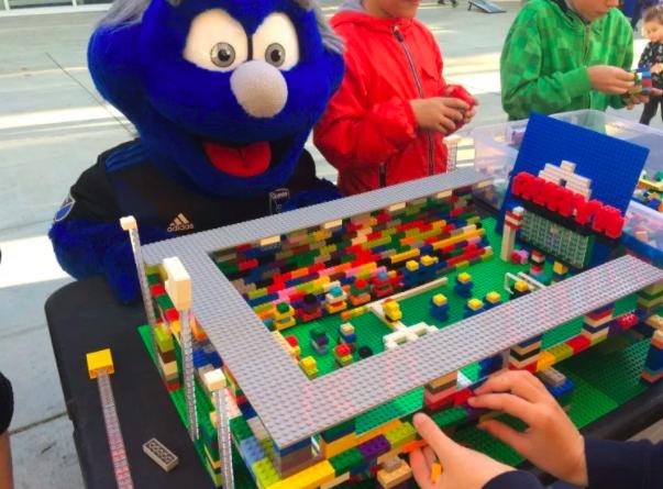 San Jose Earthquakes Lego Build